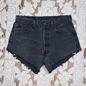 Levi's button fly 501 cut off jean shorts size 32